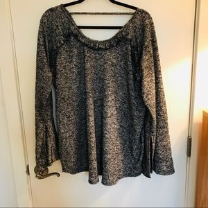Planet Gold Plus Sweater size 2X Long Sleeves.